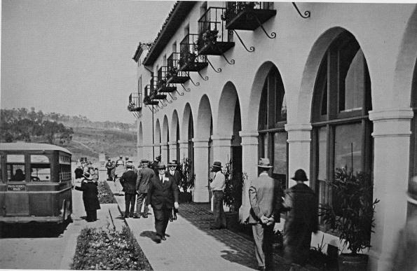 Malaga Cove Plaza